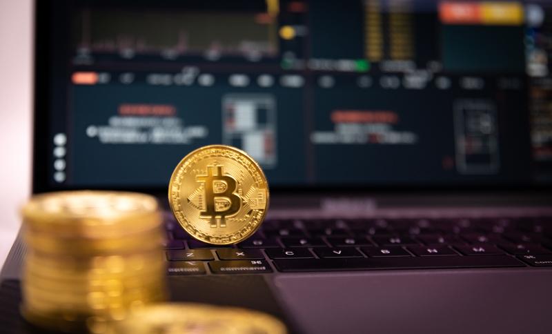 Analisi empirica del fenomeno «Bitcoin»